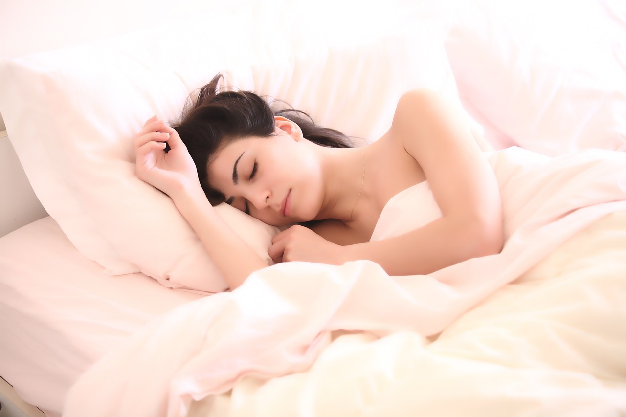 what happens to your skin during deep sleep